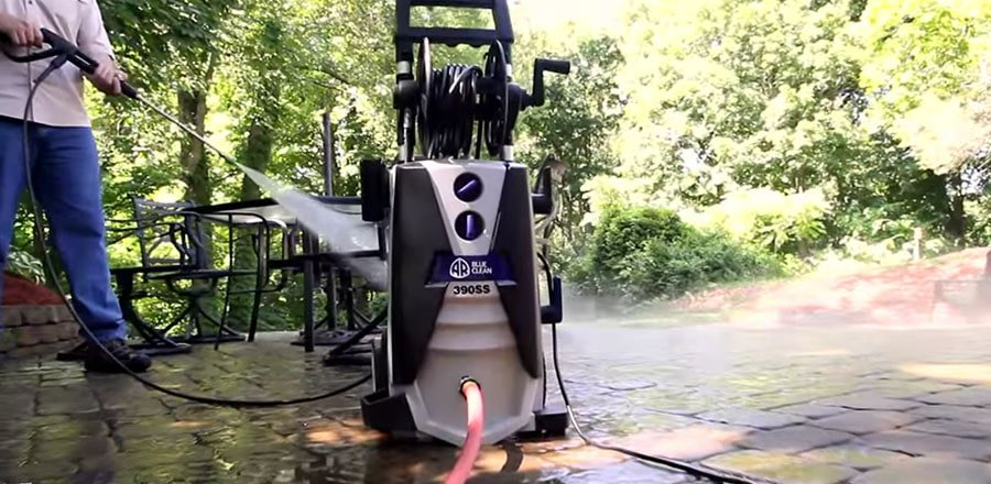 A person electric power washer pre main